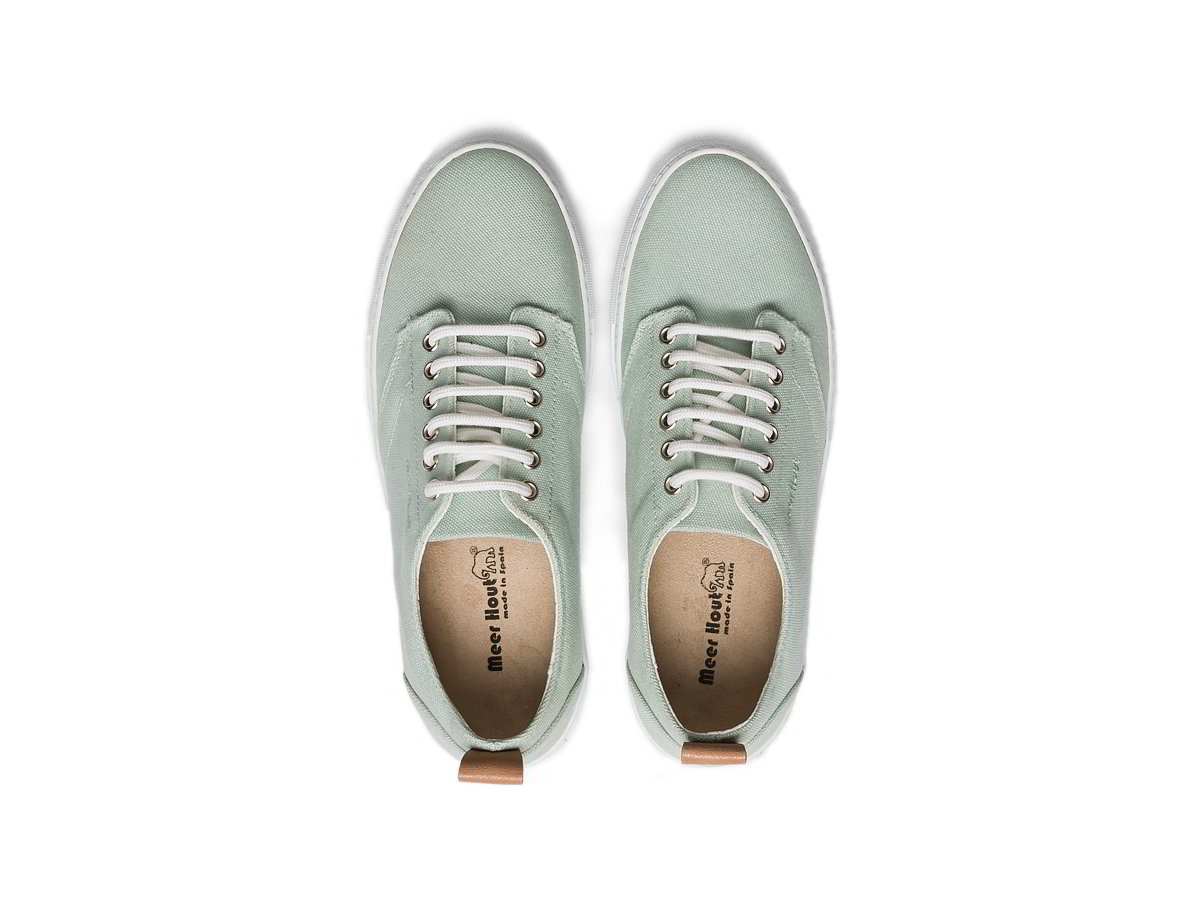 special canvas sneakers to give to your partner
